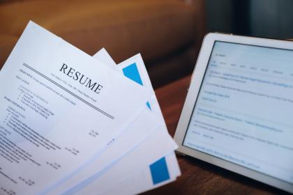Resume & CV untuk Melamar Kerja